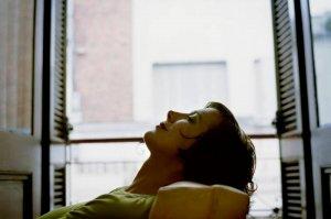 Odpoczywająca kobieta